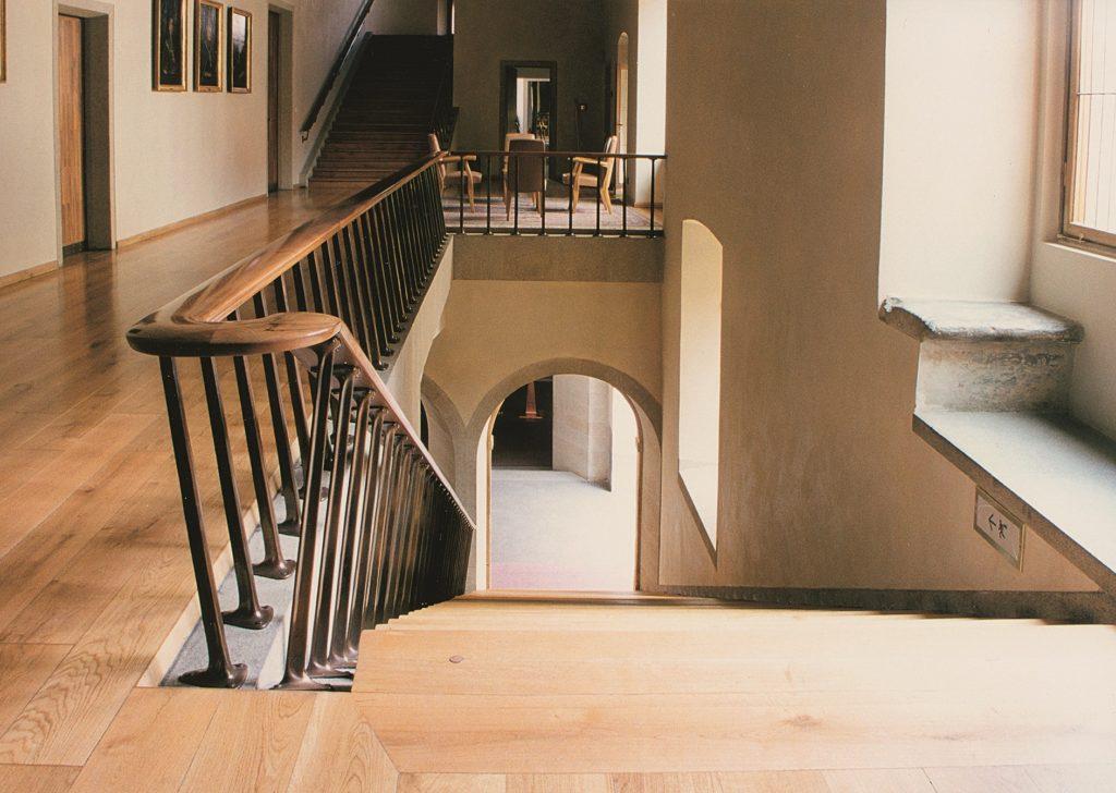 Karolinum, hlavní schodiště kVelké aule