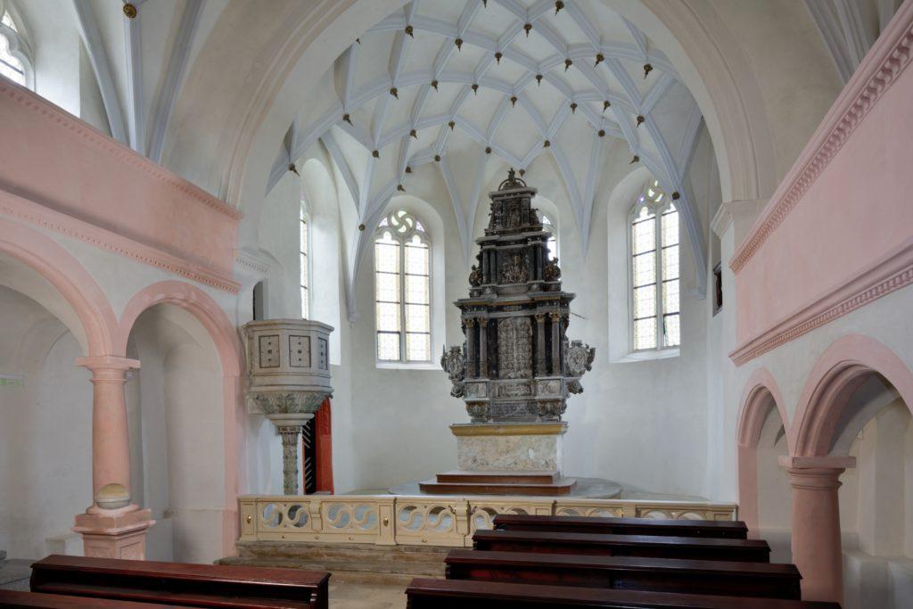 Oltář kostela sv. Floriána