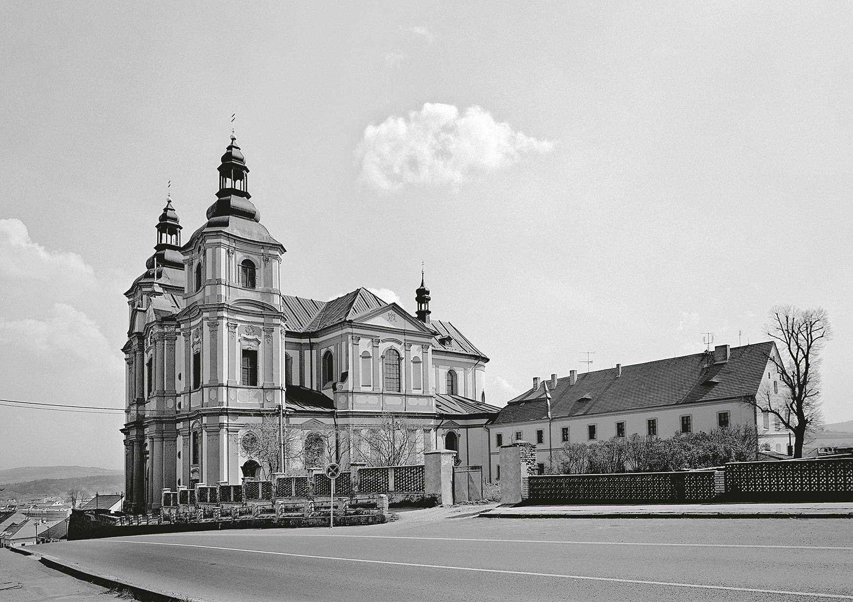 Kostel Nanebevzetí Panny Marie vPřešticích