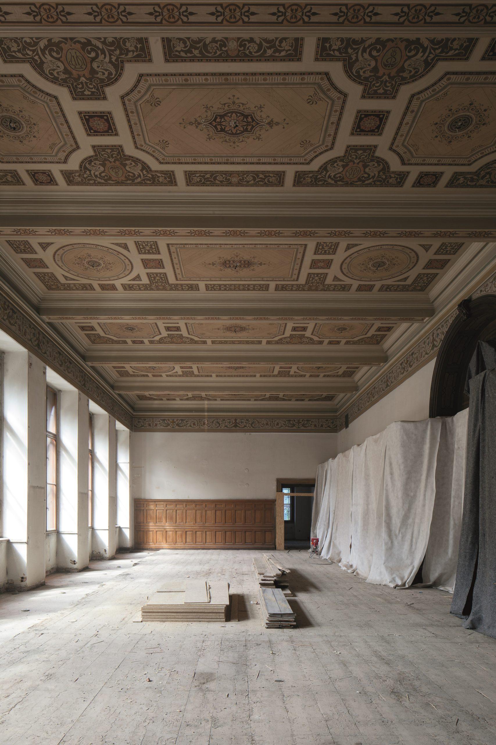 Uměleckoprůmyslové muzeum, vyklizený sál knihovny pro veřejnost, Praha 1